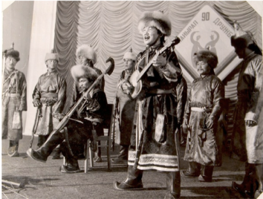 Koongar Ol and other tuvan musicians